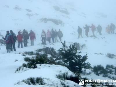 Ascenso al Mondalindo- nieve en madrid - senderismo con nieve; material de trekking